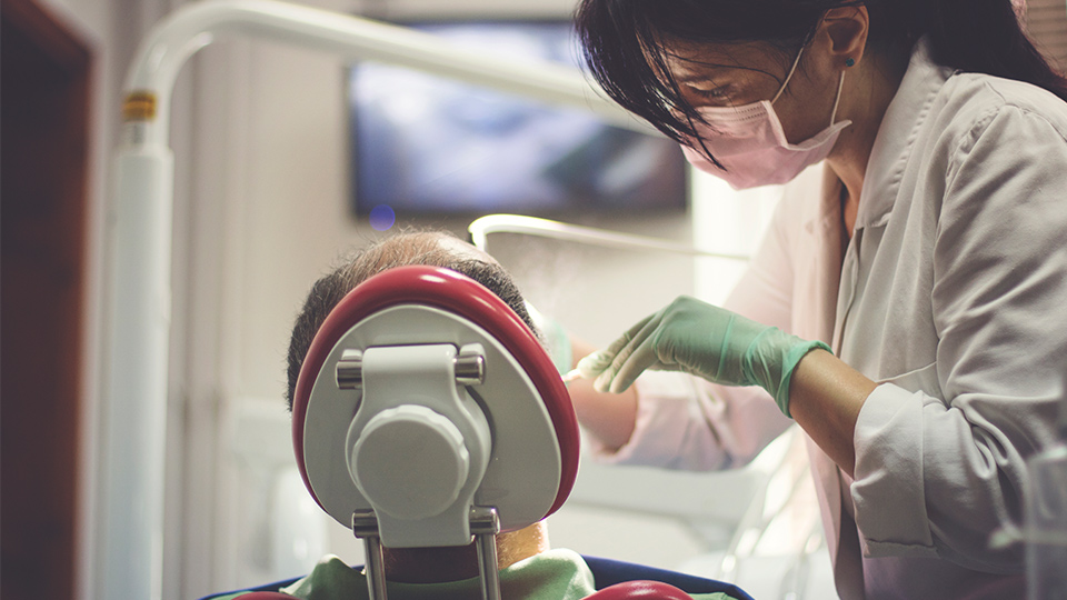 Victorian Dentists Support Reduction Of Mercury