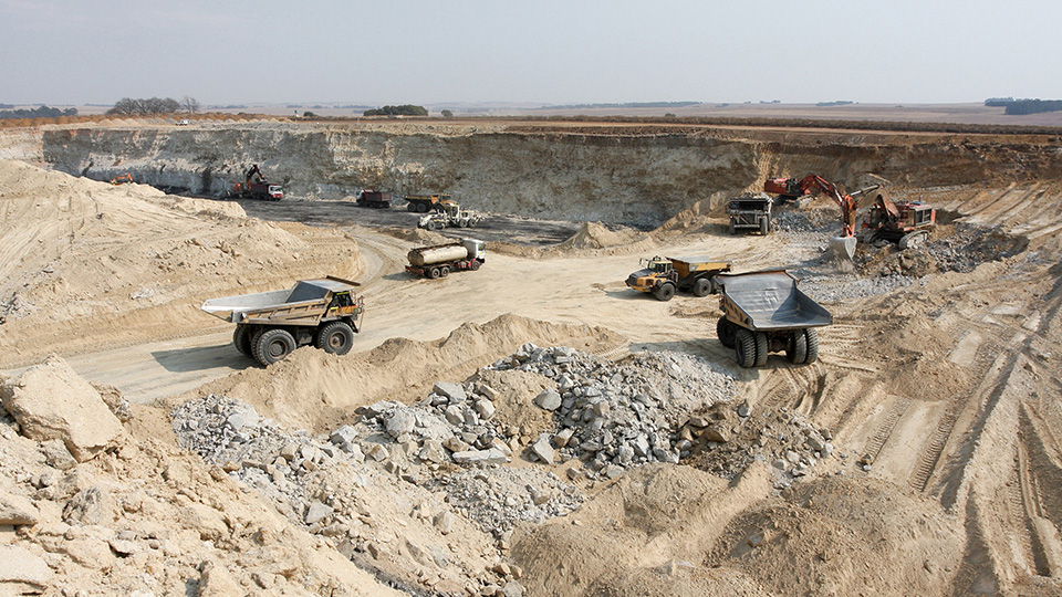 How does Ecocycle collect, transport, store and recycle mining waste?