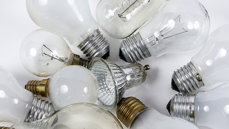 How to properly dispose of different light bulbs: incandescent, CFL/fluorescent, halogen, LED