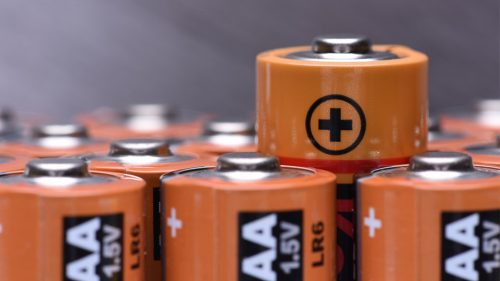Is it possible to recover 100% of metals when a battery is recycled?